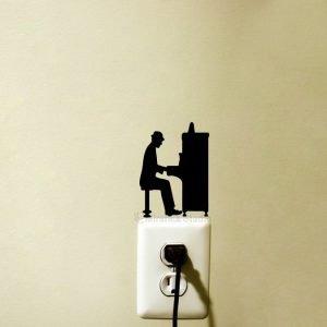 piano player wall art